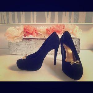 Dolce Vita Black suede bow heels